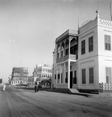 Consulate of the Netherlands and Indonesia in Jeddah in 1945. Photograph by Daniel van der Meulen.