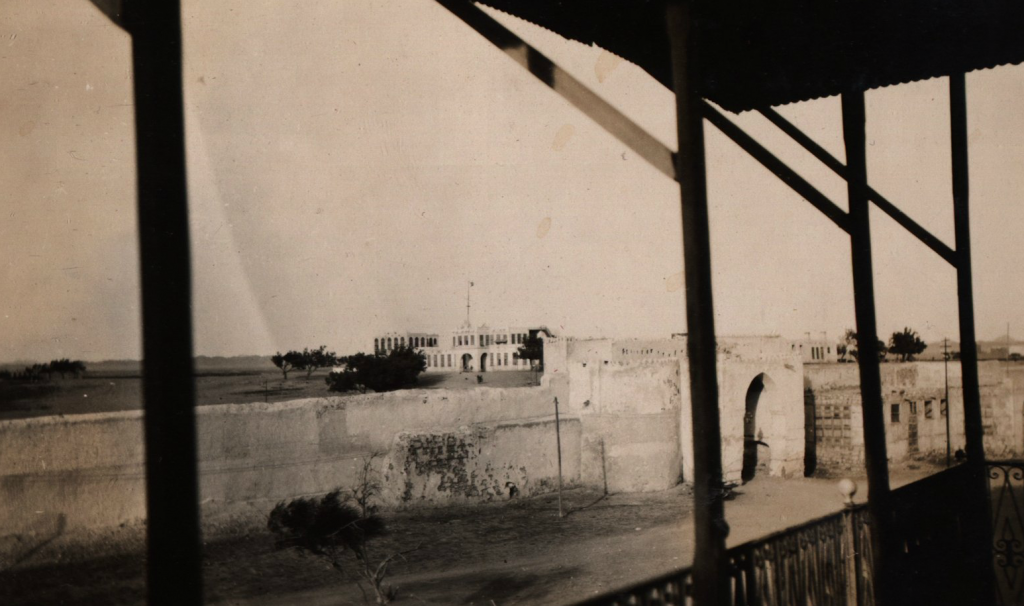 View from Netherlands consulate in Jeddah between 1921-1926. Leiden University, KITLV Collection.